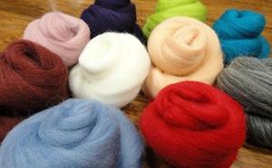 Filzwolle - 10 schöne Farben super zum Trockefilzen und Naßfilzen, ca. 100gr - 10 Knäuele - 4